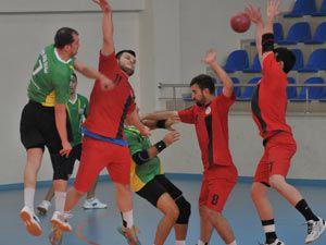 Akçaabat Tütünspor Sakarya BB Hentbol Takımını 31-30 mağlup etti.