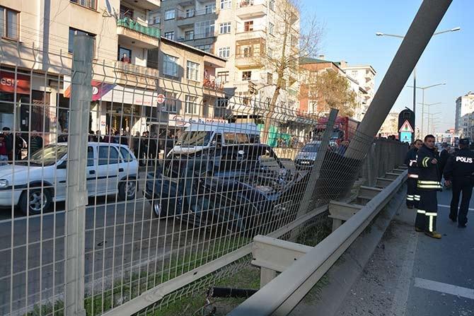 Akçaabat'ta meydana gelen trafik kazasında 3 kişi yaralandı. galerisi resim 1