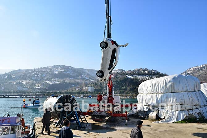 Akçaabat'ta Denize düşen araç galerisi resim 3