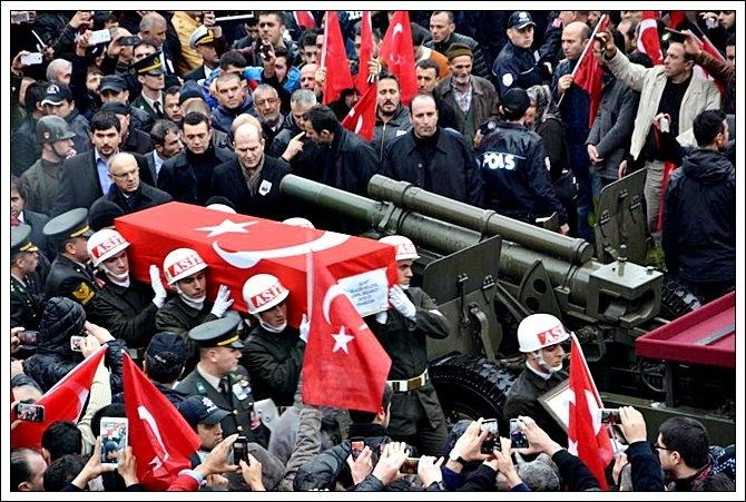Trabzonlu Şehidimize Son Görev galerisi resim 7