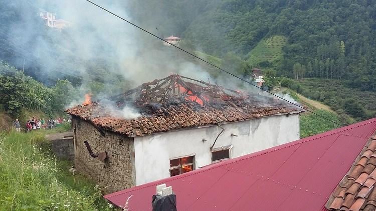 Yangın Kül Etti galerisi resim 1