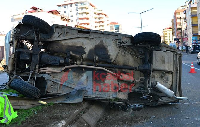 Trabzon'da Trafik Kazası; 3 Yaralı Trabzon'un Akçaabat ilçesin galerisi resim 4