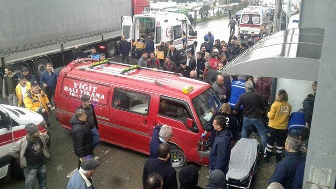 Otobüs Durağına Daldı 1 ölü 4 Yaralı galerisi resim 15