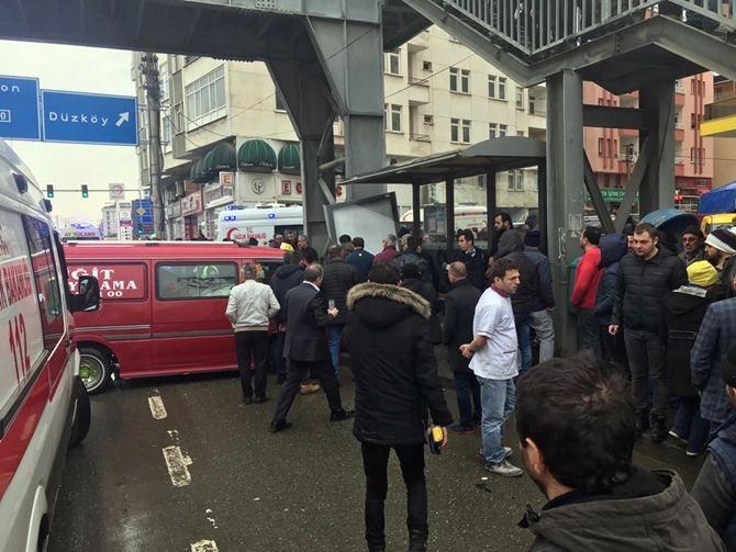 Otobüs Durağına Daldı 1 ölü 4 Yaralı galerisi resim 24