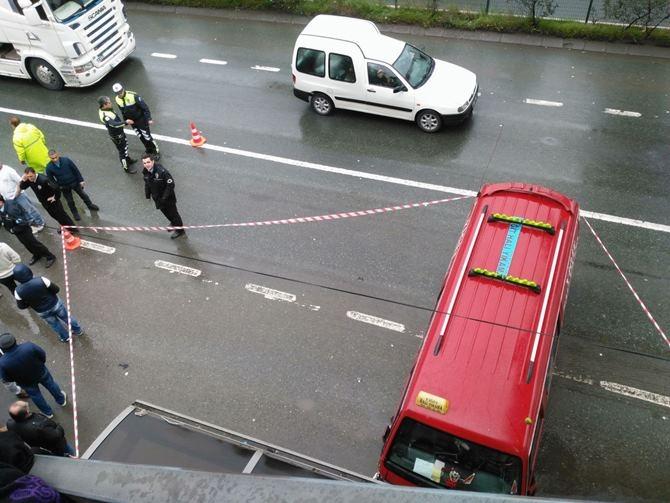 Otobüs Durağına Daldı 1 ölü 4 Yaralı galerisi resim 3
