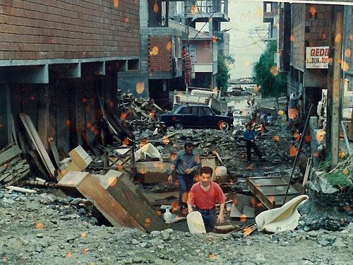 1990 SEL FELAKETİNDEN GÖRÜNTÜLER galerisi resim 14