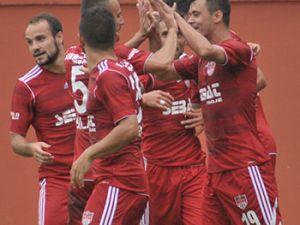 Akçaabat FK Tekirova Belediyespor'u 2-0 mağlup etti.