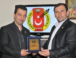 AGC'den Boksörlere Ödül