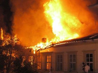 Yeniköyde Ev  Yangını