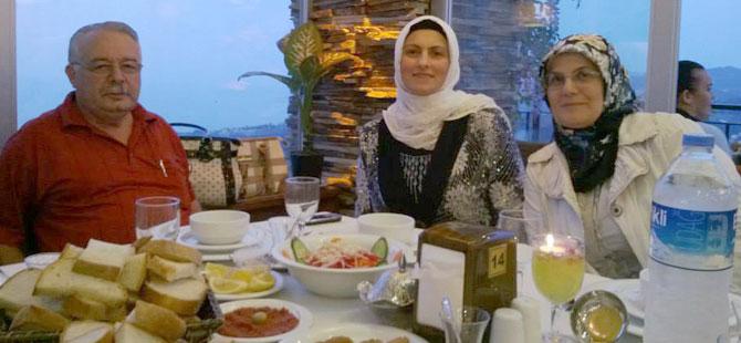 AK Parti Yıldızlı Kadın Kollarından İftar