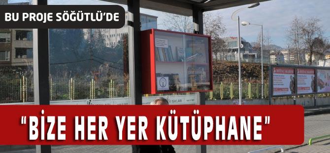 Söğütlü'de otobüs Durağına