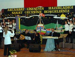 Lise Öğrencilerinden Konser