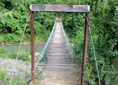 Alsancakta Asma Köprü