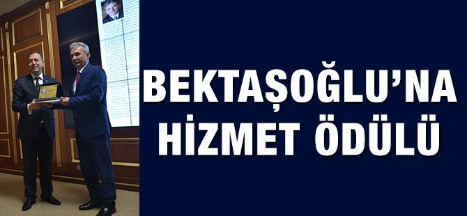 Bektaşoğlu'na Hizmet Ödülü