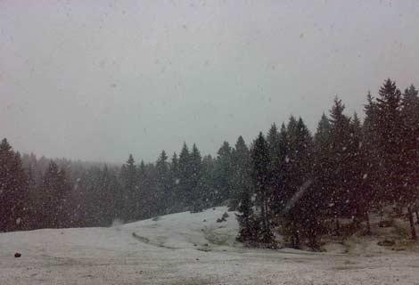 Kayabaşı Yaylasına Kar Yağdı
