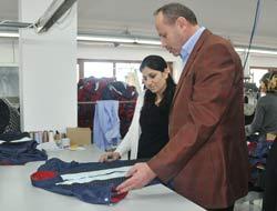 Cumur Tekstil Fabrikasını Ziyaret Etti