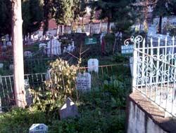 Belediyeden mezarlık atağı