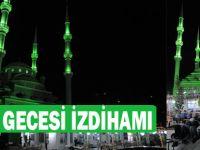 Kadir Gecessinde Rahman Camii Doldu Taştı.