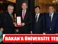 Bakana Üniversite Teşekkürü