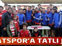 Futbolculara Tatlı jest