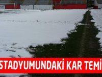Fatih Stadyumundaki Kar Temizlendi
