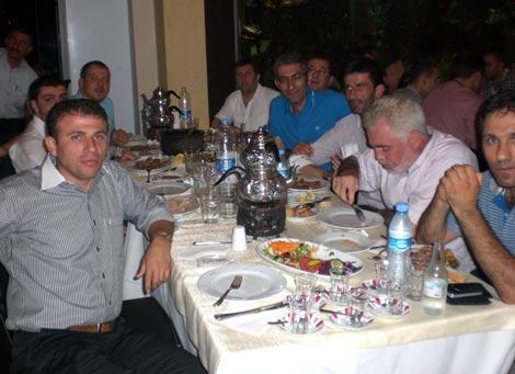 ak-parti-iftar3.jpg