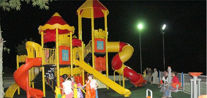 akcaabat-belediyesi-oyun-parklariyenileniyor.jpg