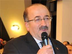Trabzon belediye Başkanı Orhan Fevzi Gümrükçüoğlu.jpg