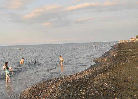 akcaabat-mersin-sayunma-kabini-deniz-kenari.20120630104859.jpg