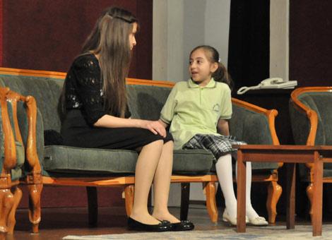 akcaabat-tiyatro-gosterisi-.20120525113823.jpg
