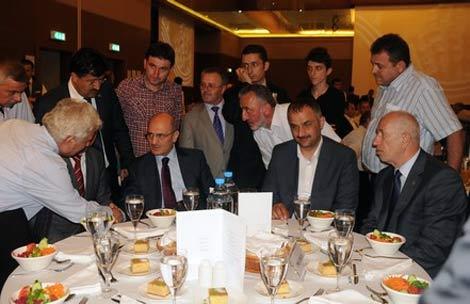 erdogan-bayraktar2.20110608181411.jpg