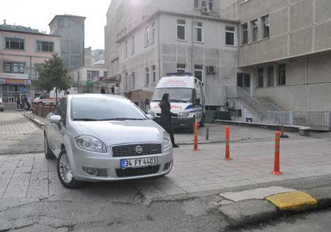 hastane-onune-park-edilmis-arac3.jpg