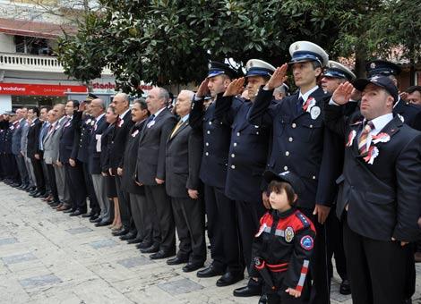polis-haftasi.20120410171940.jpg