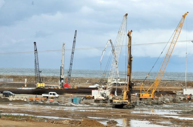 Akyazı Spor Kompleksi ve Stadyum İnşaatı Sürüyor. galerisi resim 2