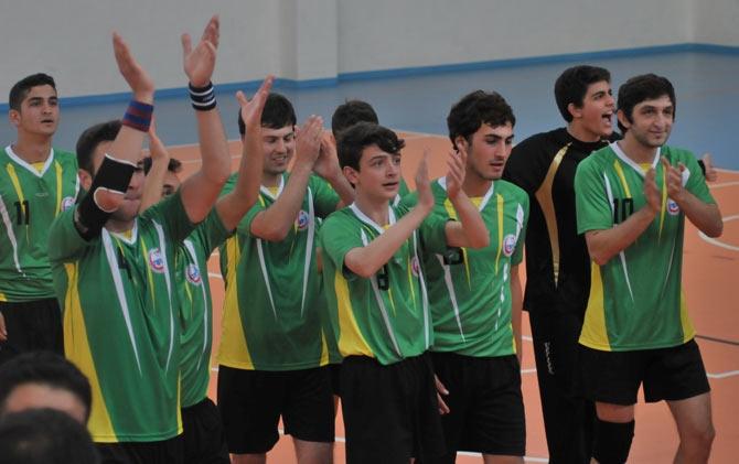 Akçaabat Tütünspor Sakarya BB Hentbol Takımını 31-30 mağlup etti. galerisi resim 1