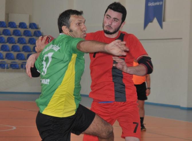 Akçaabat Tütünspor Sakarya BB Hentbol Takımını 31-30 mağlup etti. galerisi resim 12