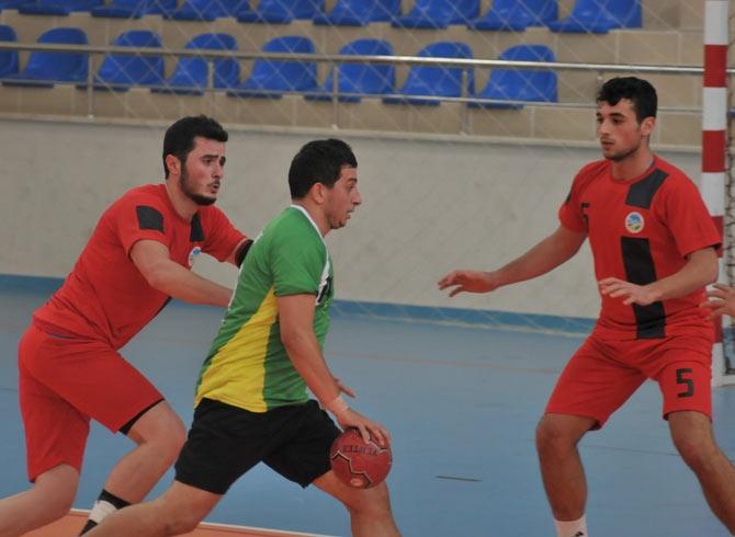 Akçaabat Tütünspor Sakarya BB Hentbol Takımını 31-30 mağlup etti. galerisi resim 14