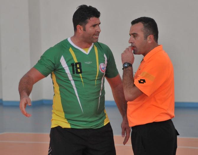 Akçaabat Tütünspor Sakarya BB Hentbol Takımını 31-30 mağlup etti. galerisi resim 18