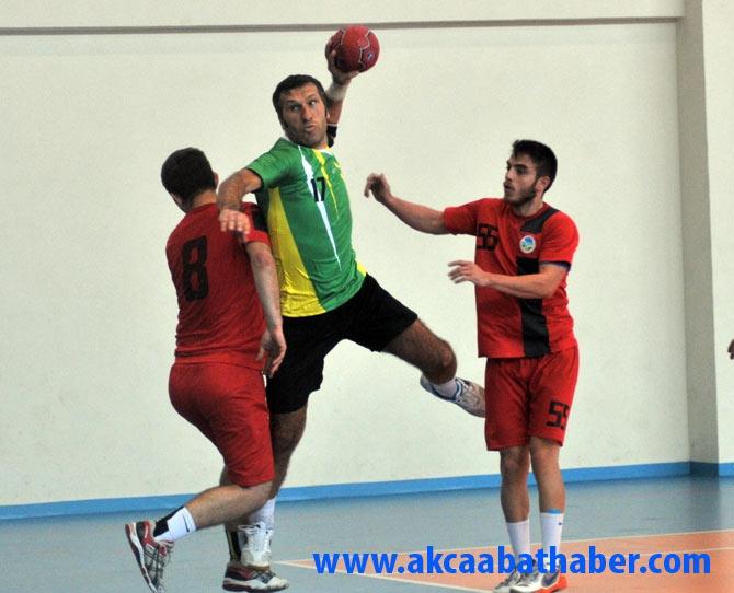 Akçaabat Tütünspor Sakarya BB Hentbol Takımını 31-30 mağlup etti. galerisi resim 2
