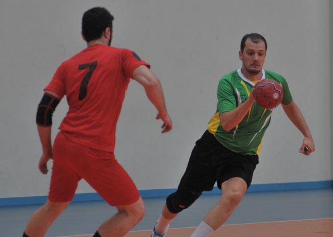 Akçaabat Tütünspor Sakarya BB Hentbol Takımını 31-30 mağlup etti. galerisi resim 4