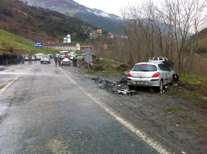 Akçaabat'ta Trafik Kazası galerisi resim 1