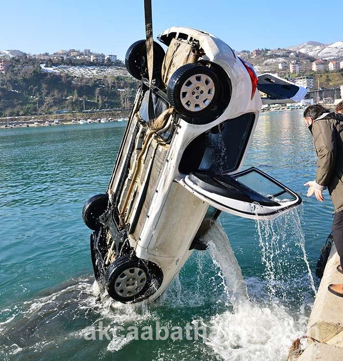 Akçaabat'ta Denize düşen araç galerisi resim 4