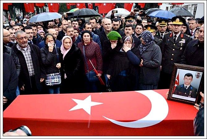 Trabzonlu Şehidimize Son Görev galerisi resim 12