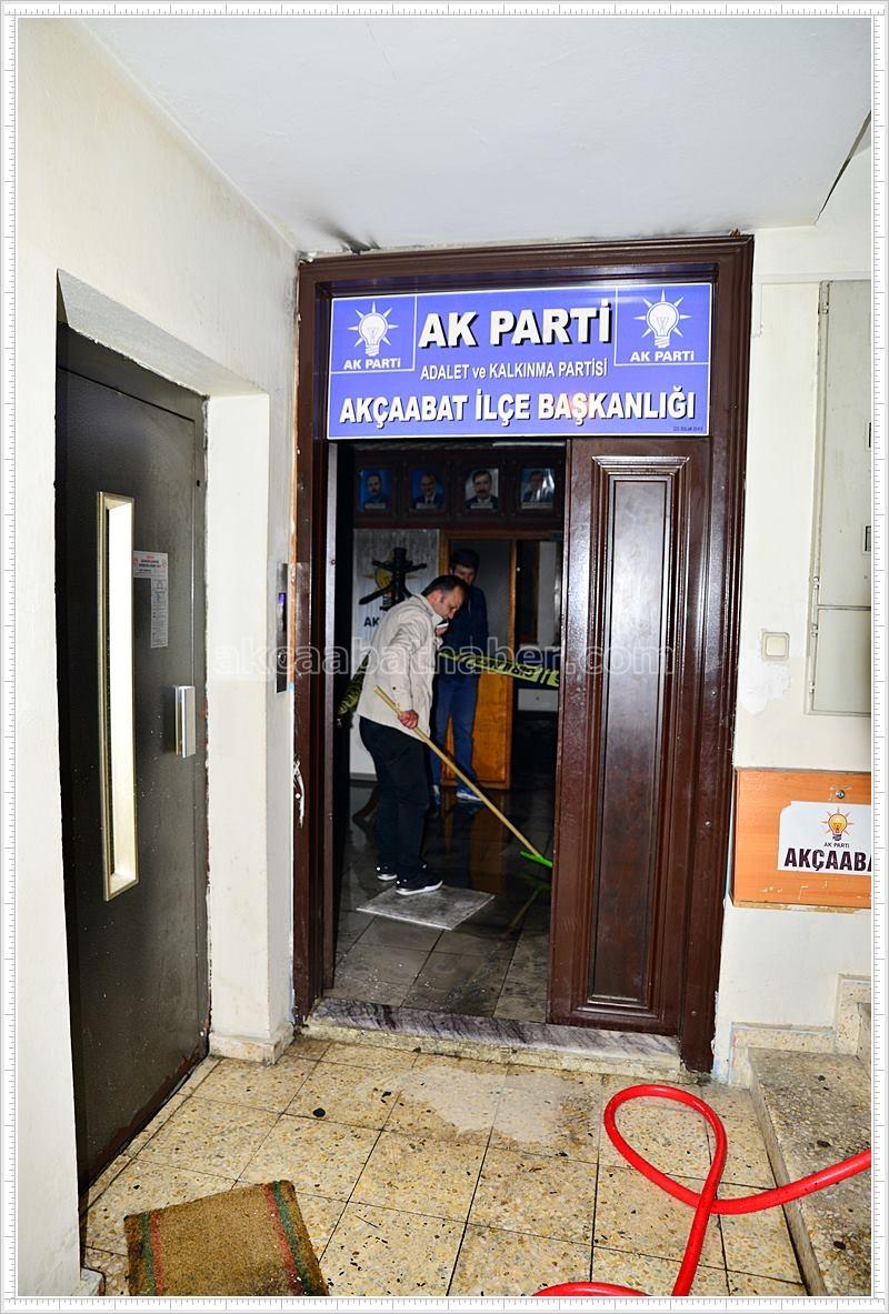AK Parti'de Yangın galerisi resim 1
