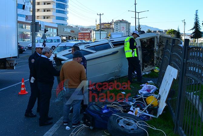 Trabzon'da Trafik Kazası; 3 Yaralı Trabzon'un Akçaabat ilçesin galerisi resim 2