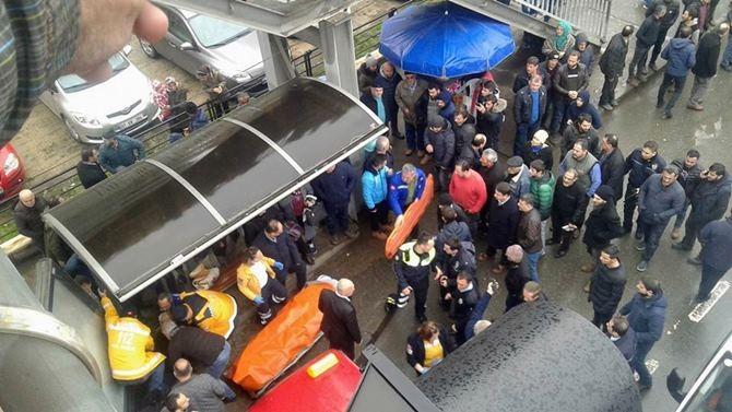 Otobüs Durağına Daldı 1 ölü 4 Yaralı galerisi resim 18