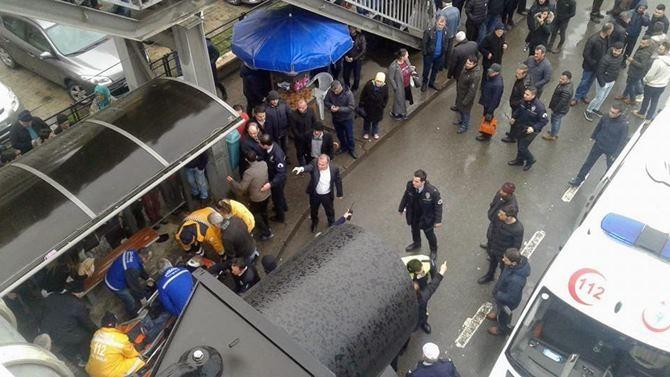 Otobüs Durağına Daldı 1 ölü 4 Yaralı galerisi resim 19