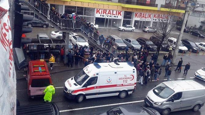 Otobüs Durağına Daldı 1 ölü 4 Yaralı galerisi resim 23