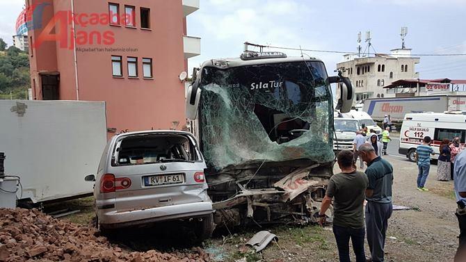 Akçaabat  Feci Kaza 1 Ölü 12 Yaralı galerisi resim 1