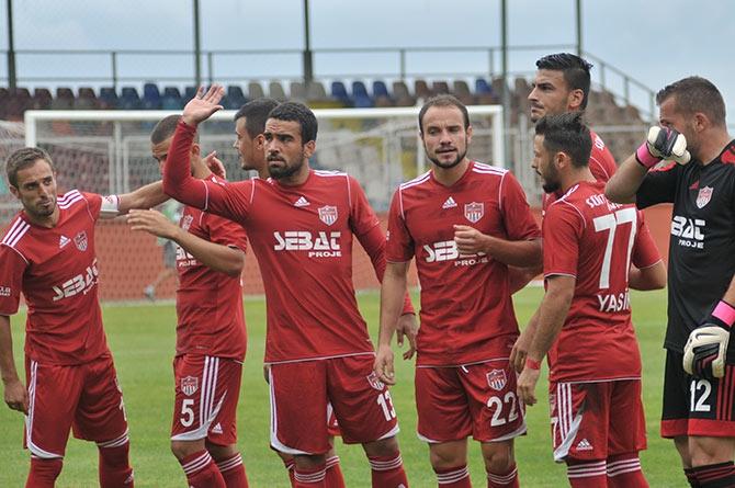 Akçaabat FK Tekirova Belediyespor'u 2-0 mağlup etti. galerisi resim 1